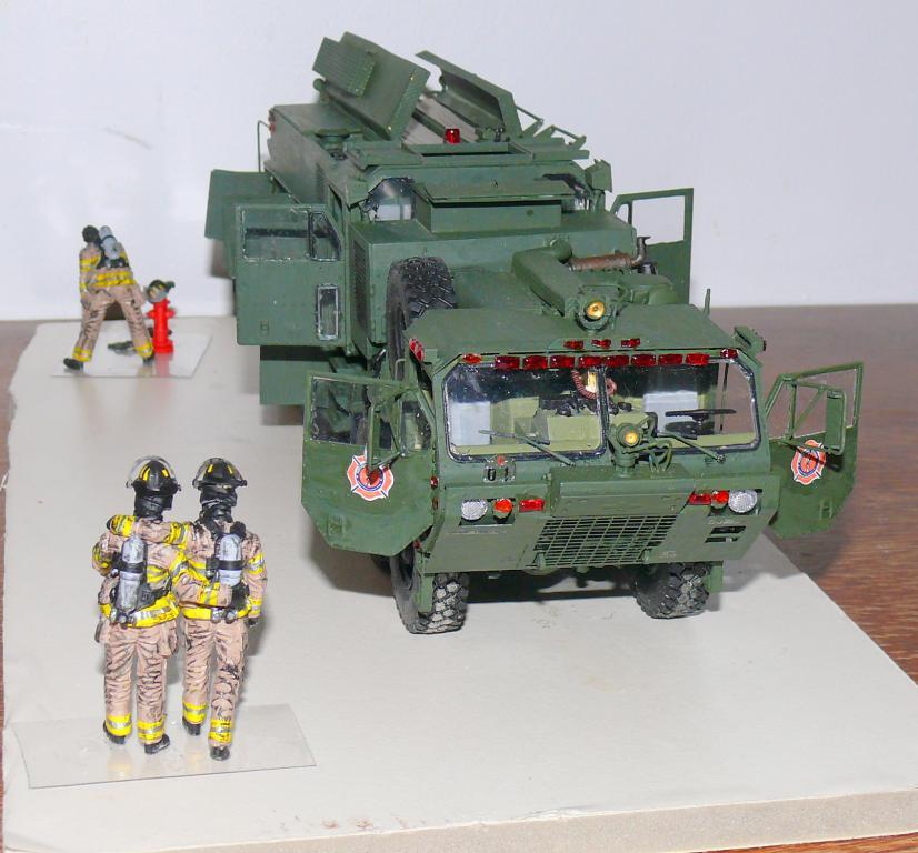 HEMTT M1142 Tactical Fire Fighting Truck TFFT de Trumpeter au 1/35 - Page 3 Hemtt851
