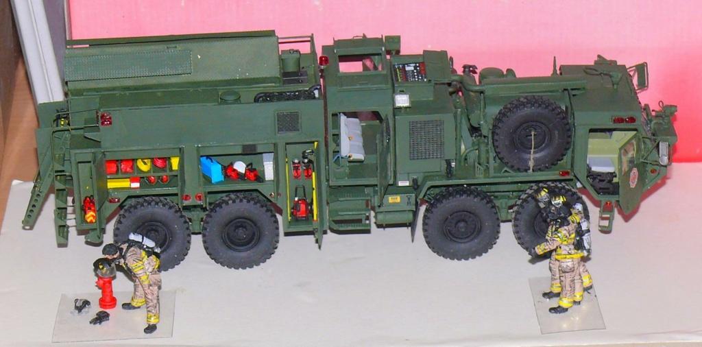 HEMTT M1142 Tactical Fire Fighting Truck TFFT de Trumpeter au 1/35 - Page 3 Hemtt855