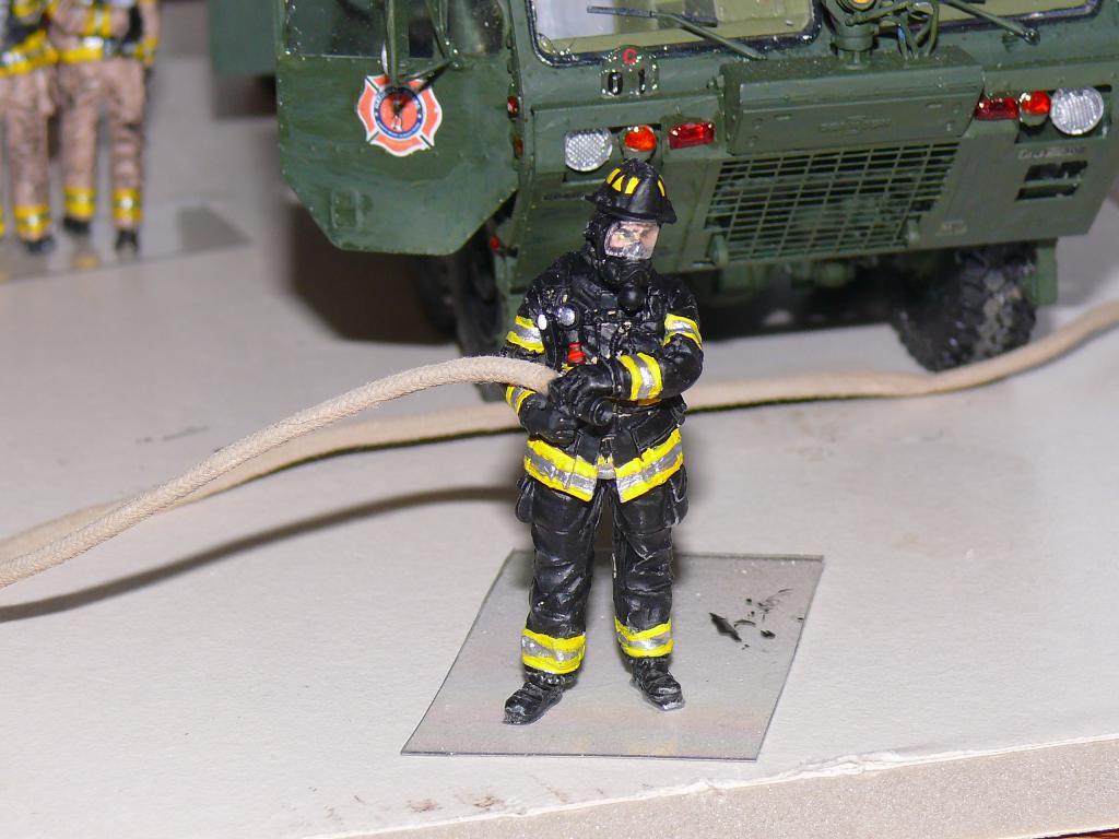 HEMTT M1142 Tactical Fire Fighting Truck TFFT de Trumpeter au 1/35 - Page 4 Hemtt859