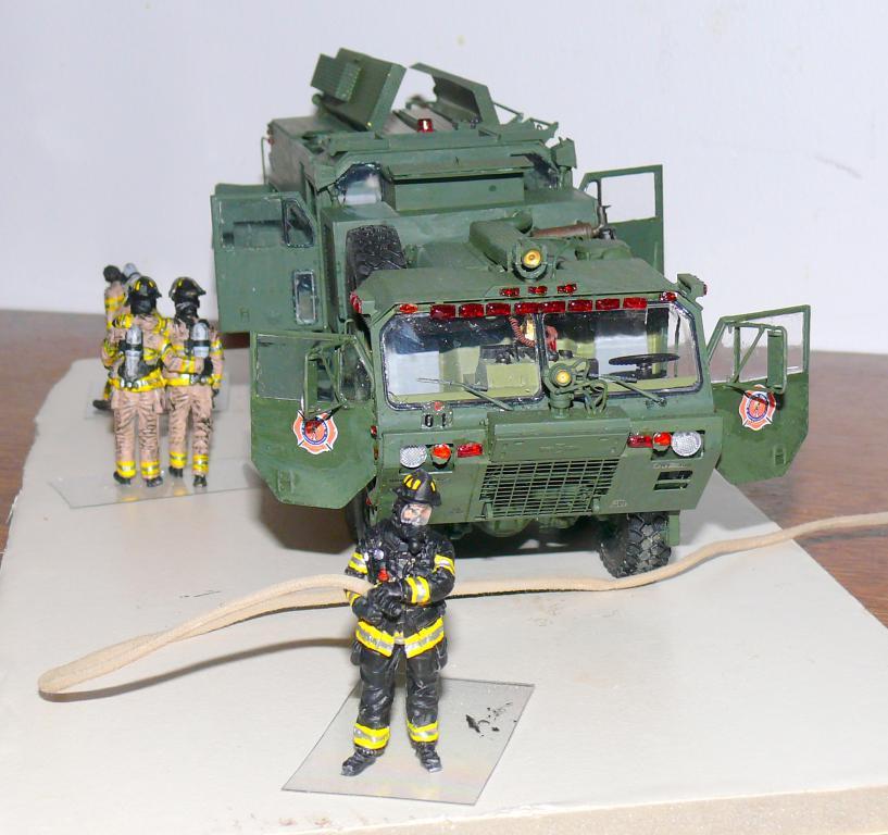 HEMTT M1142 Tactical Fire Fighting Truck TFFT de Trumpeter au 1/35 - Page 4 Hemtt861