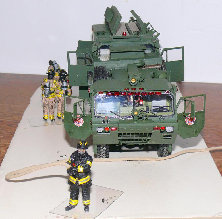 HEMTT M1142 Tactical Fire Fighting Truck TFFT de Trumpeter au 1/35 - Page 4 Hemtt862
