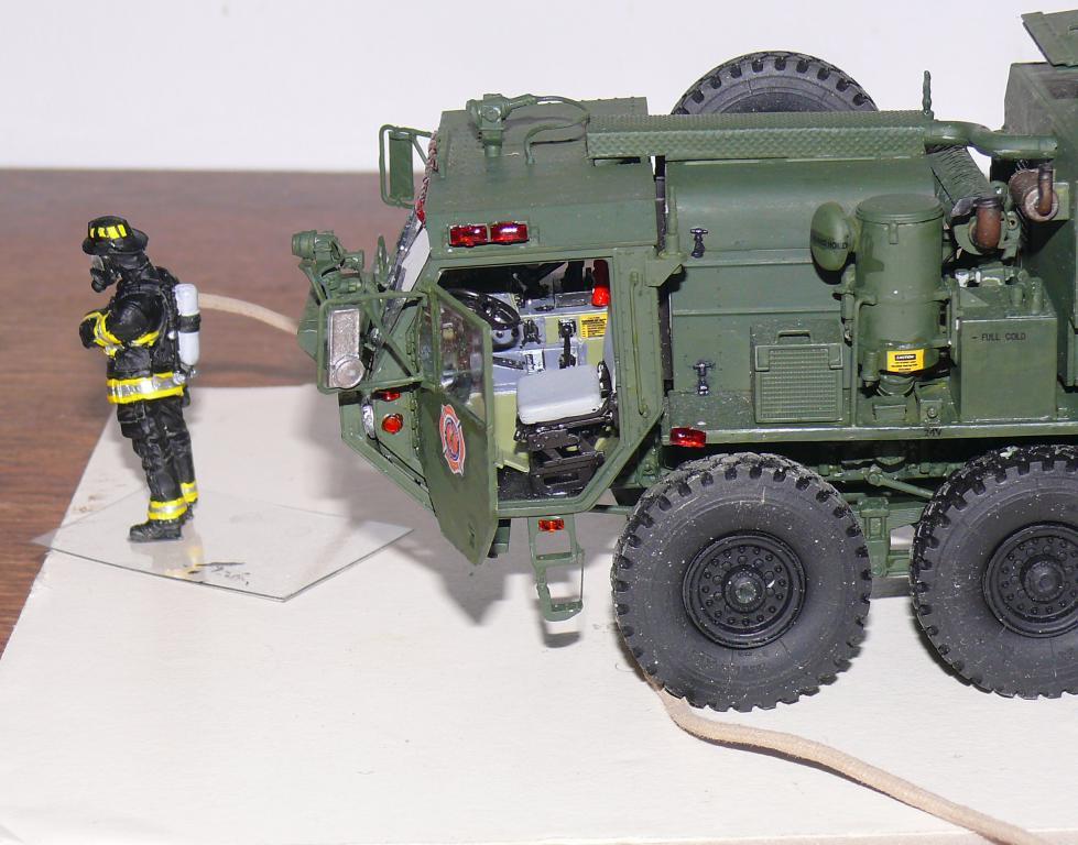 HEMTT M1142 Tactical Fire Fighting Truck TFFT de Trumpeter au 1/35 - Page 4 Hemtt864