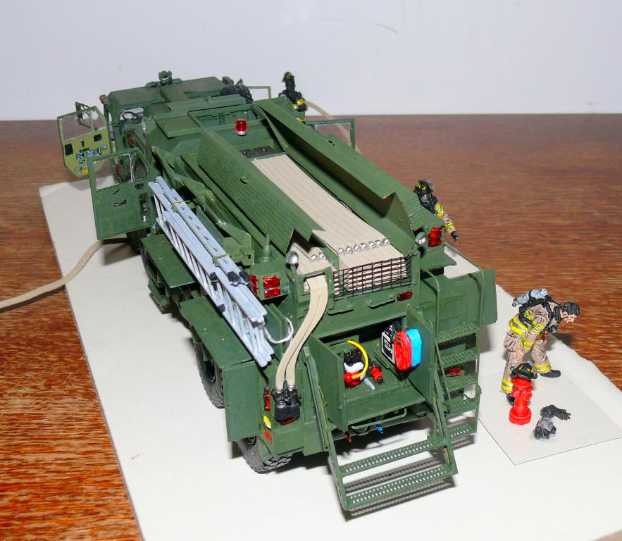 HEMTT M1142 Tactical Fire Fighting Truck TFFT de Trumpeter au 1/35 - Page 4 Hemtt866