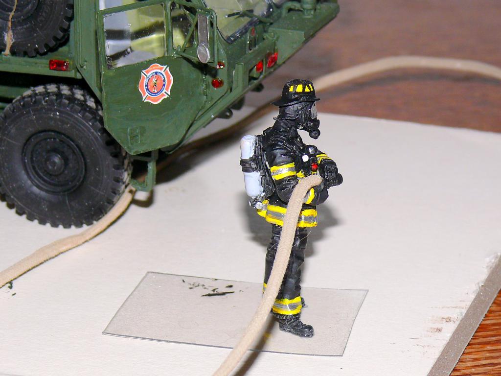 HEMTT M1142 Tactical Fire Fighting Truck TFFT de Trumpeter au 1/35 - Page 4 Hemtt873