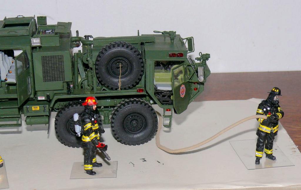 HEMTT M1142 Tactical Fire Fighting Truck TFFT de Trumpeter au 1/35 - Page 4 Hemtt882