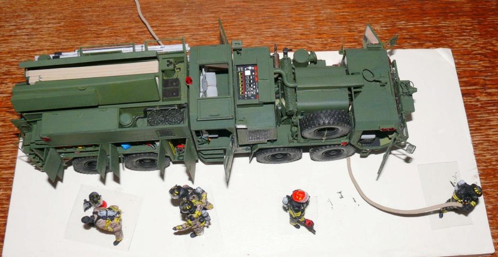 HEMTT M1142 Tactical Fire Fighting Truck TFFT de Trumpeter au 1/35 - Page 4 Hemtt883