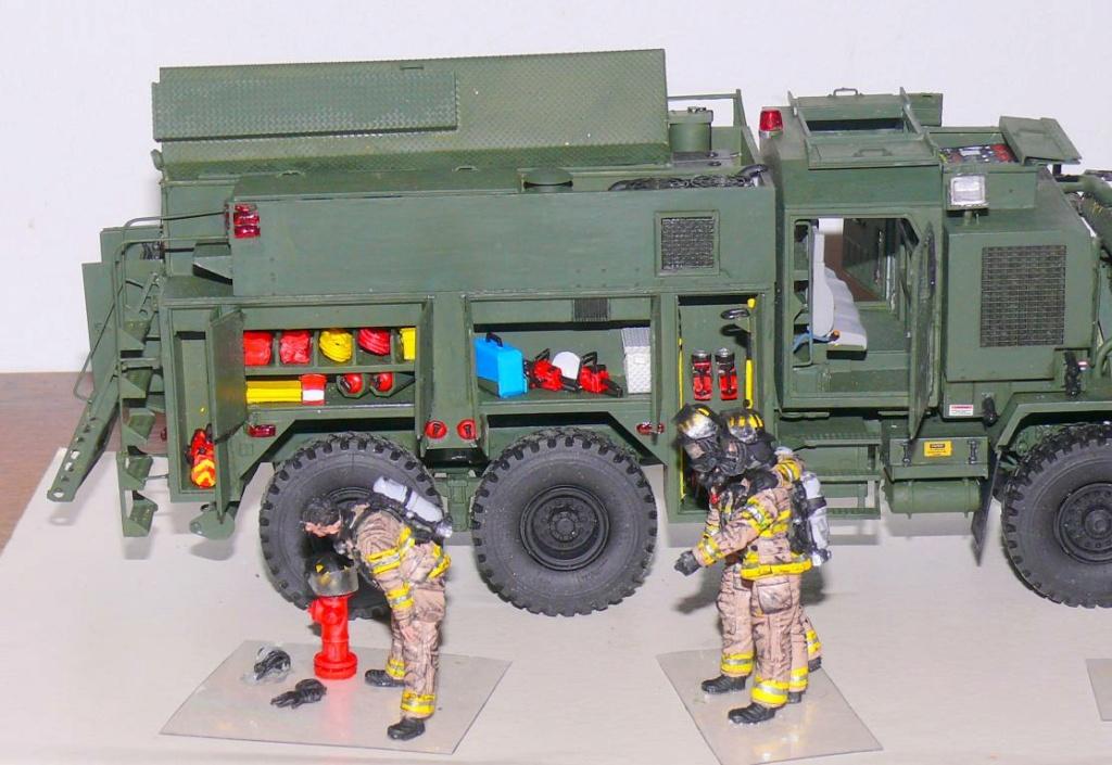 HEMTT M1142 Tactical Fire Fighting Truck TFFT de Trumpeter au 1/35 - Page 4 Hemtt889