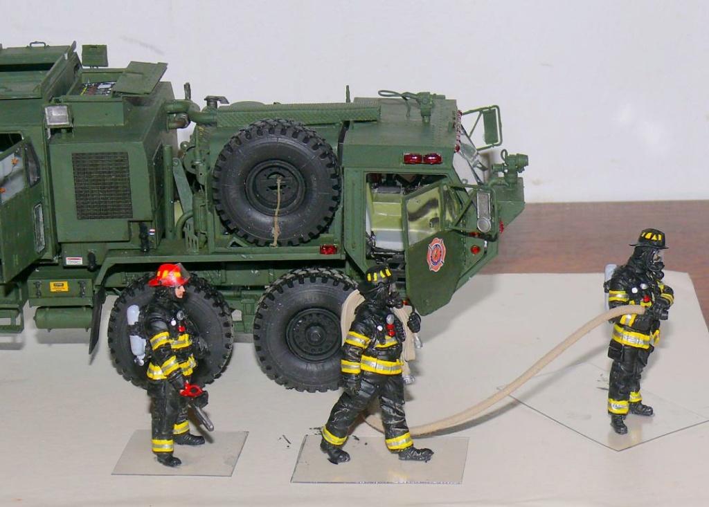 HEMTT M1142 Tactical Fire Fighting Truck TFFT de Trumpeter au 1/35 - Page 4 Hemtt893