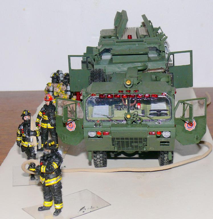 HEMTT M1142 Tactical Fire Fighting Truck TFFT de Trumpeter au 1/35 - Page 4 Hemtt894