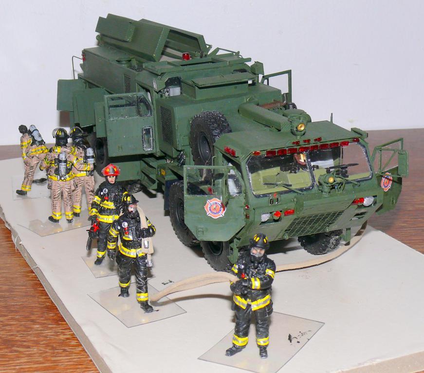 HEMTT M1142 Tactical Fire Fighting Truck TFFT de Trumpeter au 1/35 - Page 4 Hemtt895