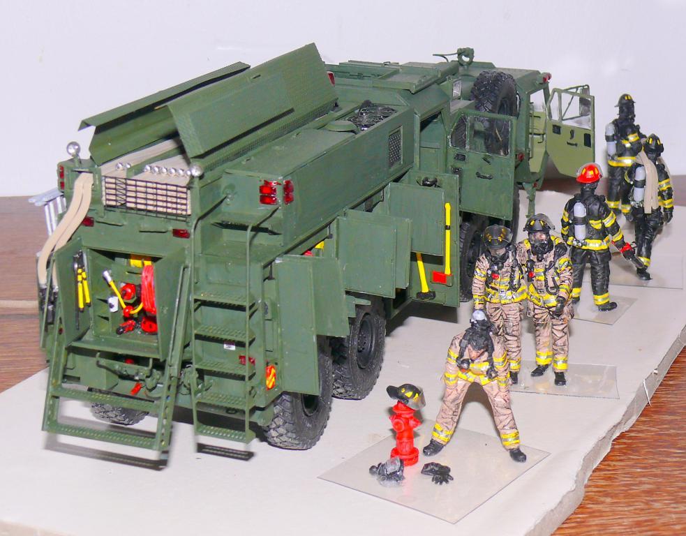 HEMTT M1142 Tactical Fire Fighting Truck TFFT de Trumpeter au 1/35 - Page 4 Hemtt896