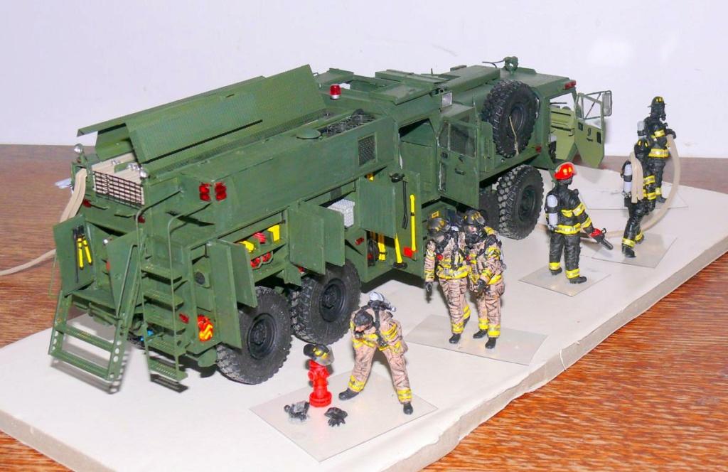 HEMTT M1142 Tactical Fire Fighting Truck TFFT de Trumpeter au 1/35 - Page 4 Hemtt899