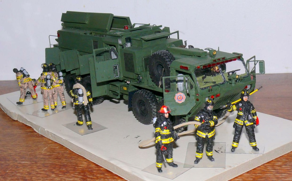 HEMTT M1142 Tactical Fire Fighting Truck TFFT de Trumpeter au 1/35 - Page 4 Hemtt911