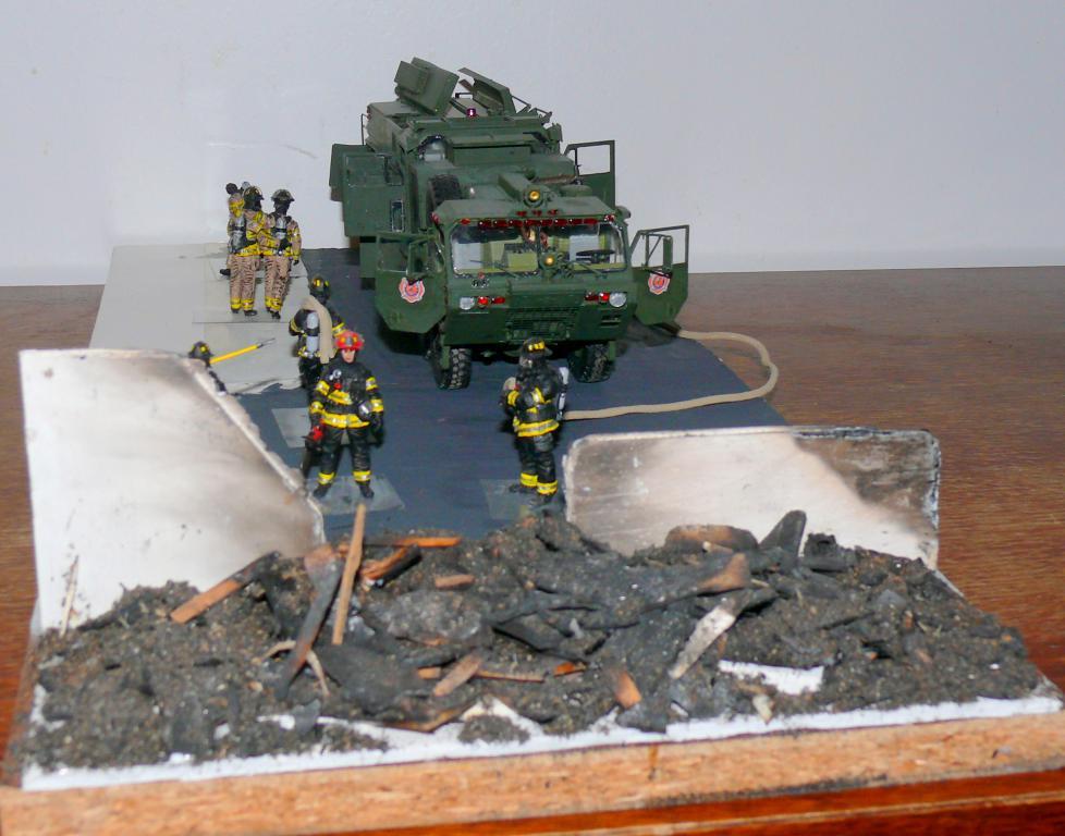HEMTT M1142 Tactical Fire Fighting Truck TFFT de Trumpeter au 1/35 - Page 5 Hemtt931