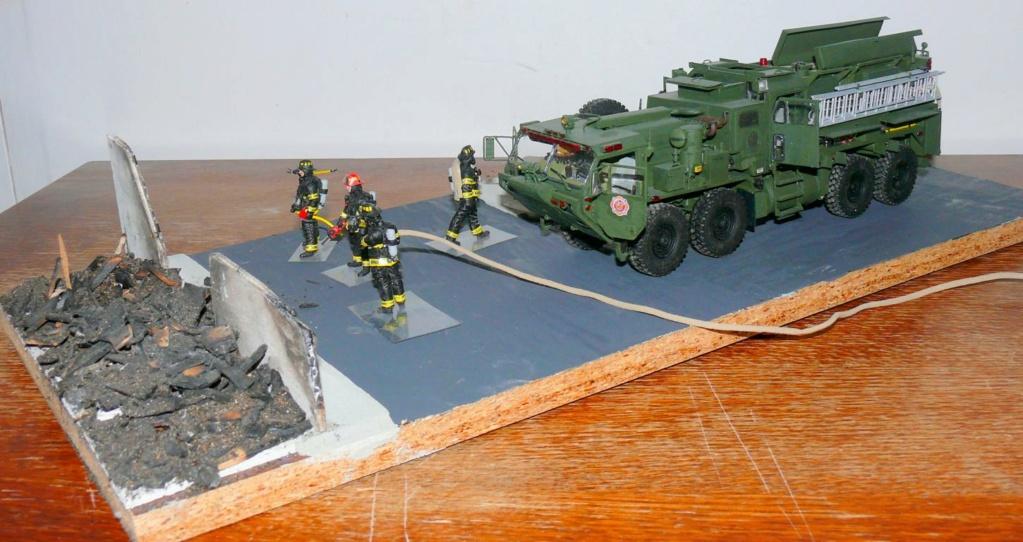 HEMTT M1142 Tactical Fire Fighting Truck TFFT de Trumpeter au 1/35 - Page 5 Hemtt935