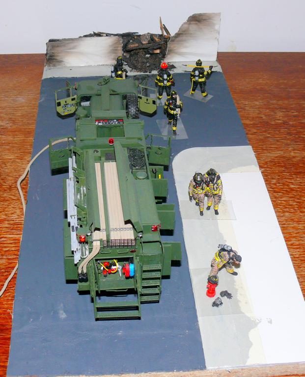 HEMTT M1142 Tactical Fire Fighting Truck TFFT de Trumpeter au 1/35 - Page 5 Hemtt936