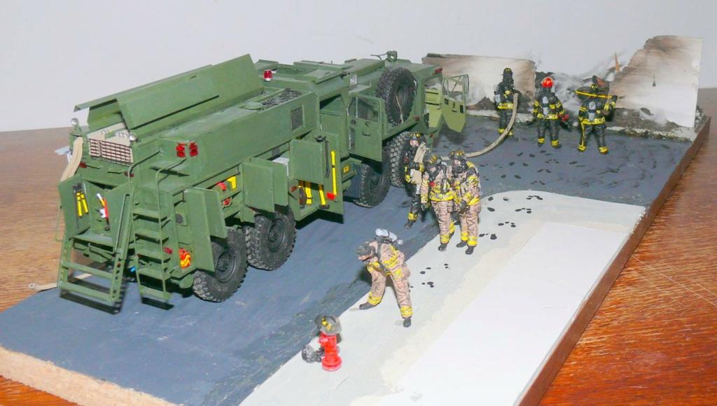HEMTT M1142 Tactical Fire Fighting Truck TFFT de Trumpeter au 1/35 - Page 5 Hemtt943