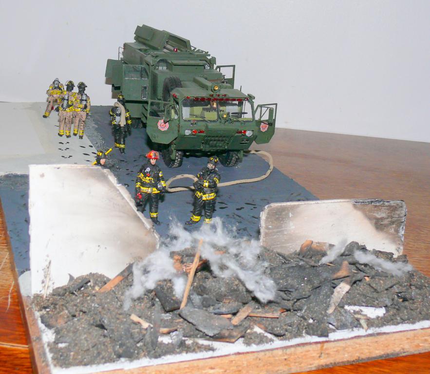 HEMTT M1142 Tactical Fire Fighting Truck TFFT de Trumpeter au 1/35 - Page 5 Hemtt948