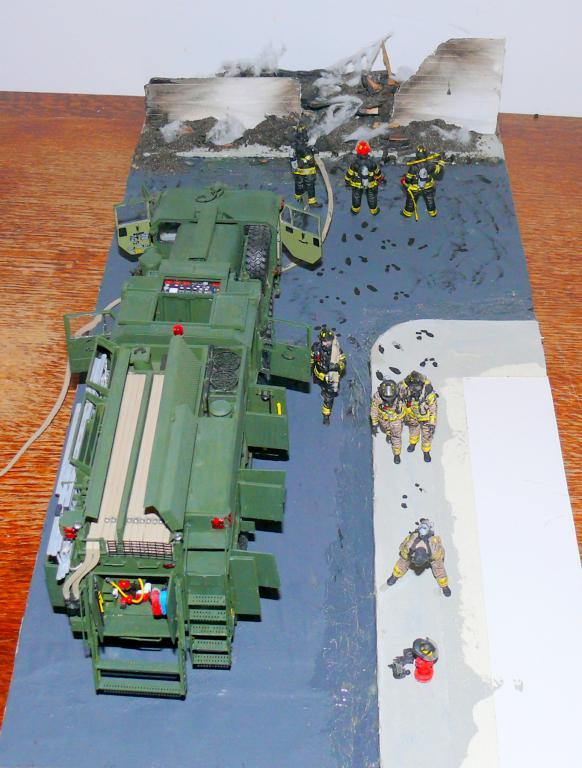 HEMTT M1142 Tactical Fire Fighting Truck TFFT de Trumpeter au 1/35 - Page 5 Hemtt958