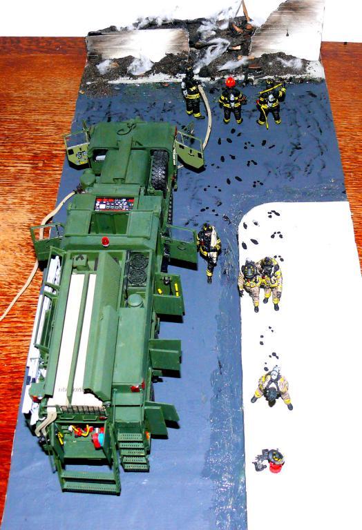 HEMTT M1142 Tactical Fire Fighting Truck TFFT de Trumpeter au 1/35 - Page 5 Hemtt960