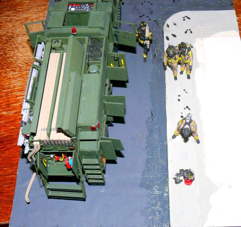 HEMTT M1142 Tactical Fire Fighting Truck TFFT de Trumpeter au 1/35 - Page 5 Hemtt962