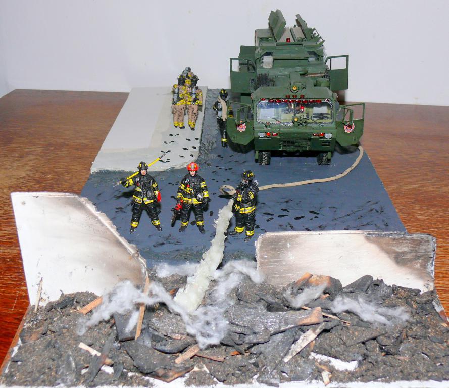 HEMTT M1142 Tactical Fire Fighting Truck TFFT de Trumpeter au 1/35 - Page 5 Hemtt969