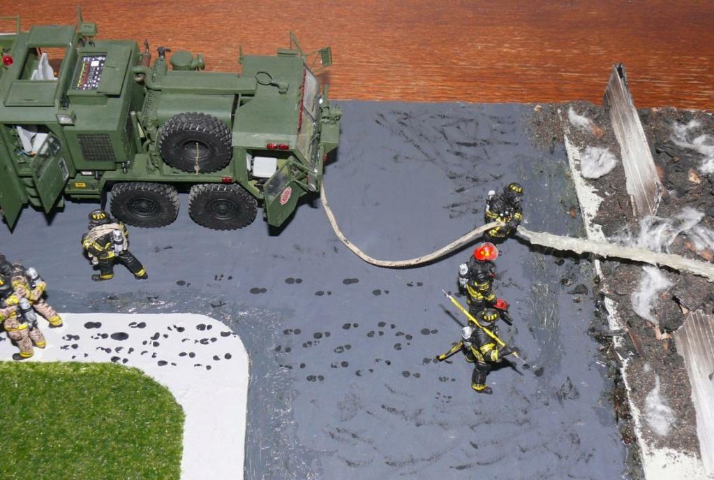 HEMTT M1142 Tactical Fire Fighting Truck TFFT de Trumpeter au 1/35 - Page 5 Hemtt977