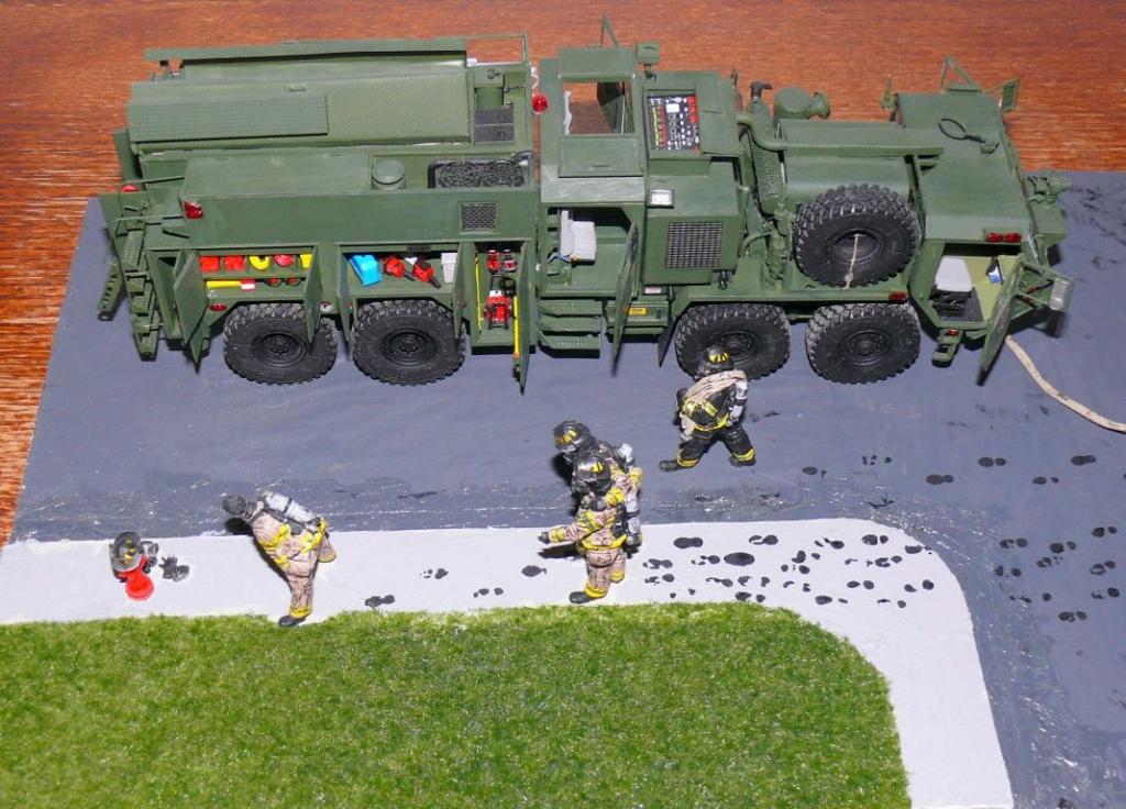 HEMTT M1142 Tactical Fire Fighting Truck TFFT de Trumpeter au 1/35 - Page 5 Hemtt978