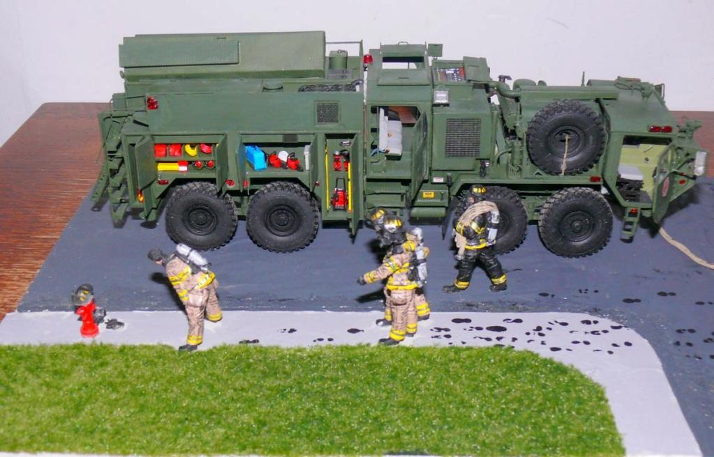 HEMTT M1142 Tactical Fire Fighting Truck TFFT de Trumpeter au 1/35 - Page 5 Hemtt979