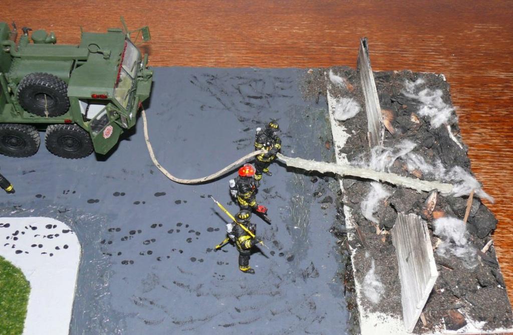 HEMTT M1142 Tactical Fire Fighting Truck TFFT de Trumpeter au 1/35 - Page 5 Hemtt980