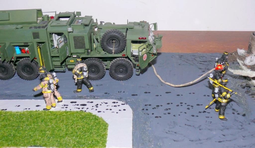 HEMTT M1142 Tactical Fire Fighting Truck TFFT de Trumpeter au 1/35 - Page 5 Hemtt983