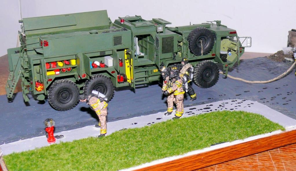 HEMTT M1142 Tactical Fire Fighting Truck TFFT de Trumpeter au 1/35 - Page 5 Hemtt990