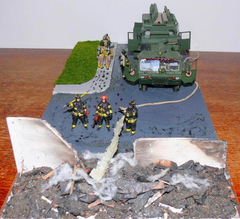 HEMTT M1142 Tactical Fire Fighting Truck TFFT de Trumpeter au 1/35 - Page 5 Hemtt991
