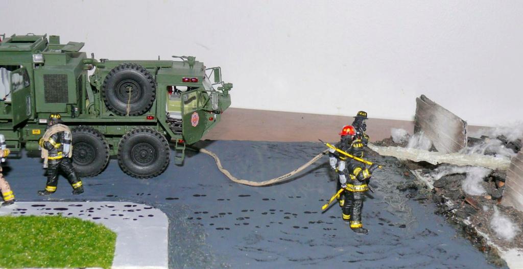 HEMTT M1142 Tactical Fire Fighting Truck TFFT de Trumpeter au 1/35 - Page 5 Hemtt993