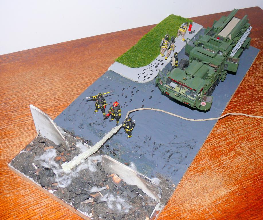 HEMTT M1142 Tactical Fire Fighting Truck TFFT de Trumpeter au 1/35 - Page 5 Hemtt997