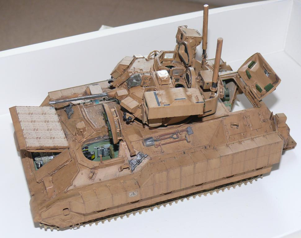 M3A3 BRADLEY w/BUSK III U.S. CAVALRY FIGHTING VEHICLE DE MENG Au 1/35 - Page 2 P1300523