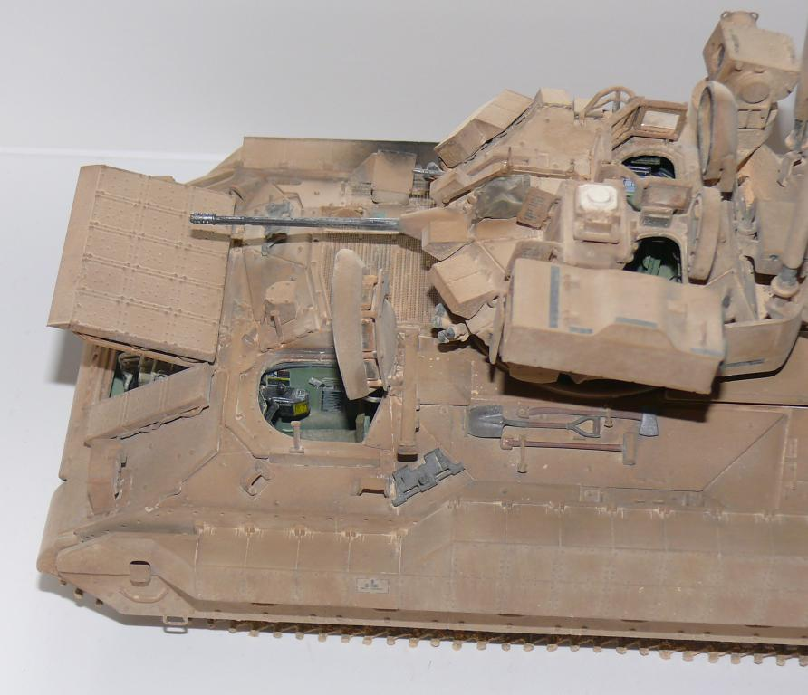 M3A3 BRADLEY w/BUSK III U.S. CAVALRY FIGHTING VEHICLE DE MENG Au 1/35 - Page 2 P1300536