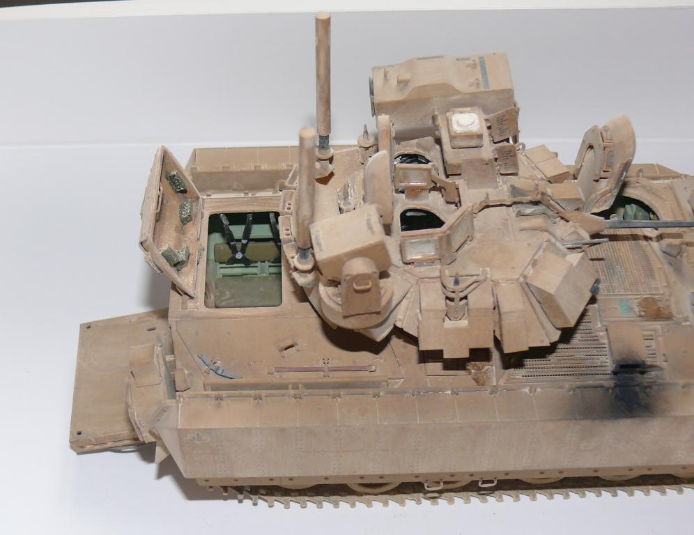 M3A3 BRADLEY w/BUSK III U.S. CAVALRY FIGHTING VEHICLE DE MENG Au 1/35 - Page 2 P1300544