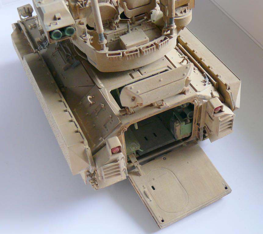 M3A3 BRADLEY w/BUSK III U.S. CAVALRY FIGHTING VEHICLE DE MENG Au 1/35 - Page 2 P1300553