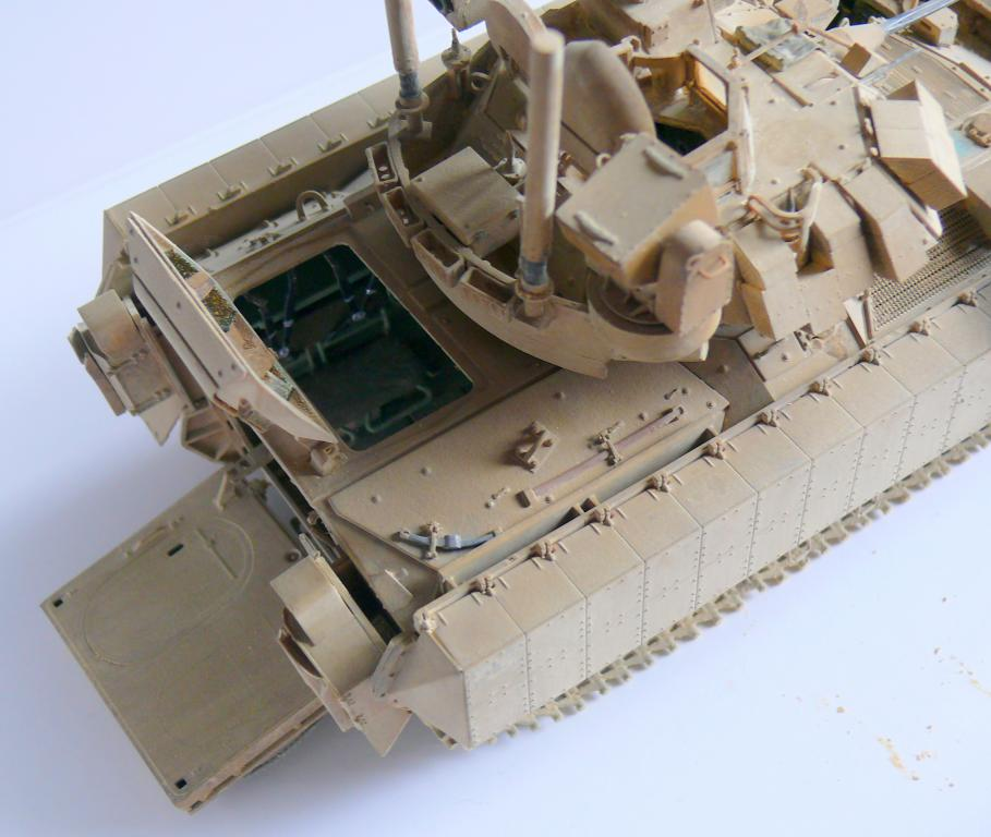 M3A3 BRADLEY w/BUSK III U.S. CAVALRY FIGHTING VEHICLE DE MENG Au 1/35 - Page 2 P1300559