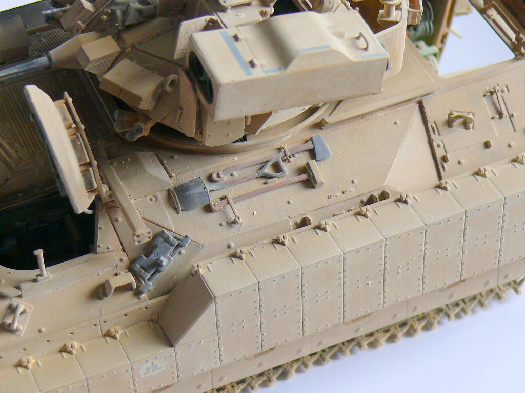 M3A3 BRADLEY w/BUSK III U.S. CAVALRY FIGHTING VEHICLE DE MENG Au 1/35 - Page 2 P1300564