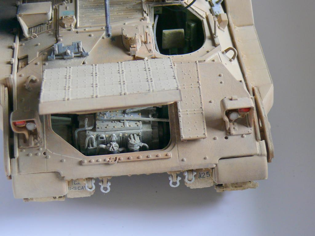 M3A3 BRADLEY w/BUSK III U.S. CAVALRY FIGHTING VEHICLE DE MENG Au 1/35 - Page 2 P1300566