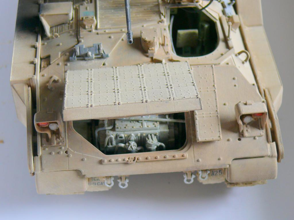 M3A3 BRADLEY w/BUSK III U.S. CAVALRY FIGHTING VEHICLE DE MENG Au 1/35 - Page 2 P1300568