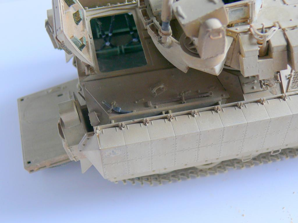 M3A3 BRADLEY w/BUSK III U.S. CAVALRY FIGHTING VEHICLE DE MENG Au 1/35 - Page 2 P1300571