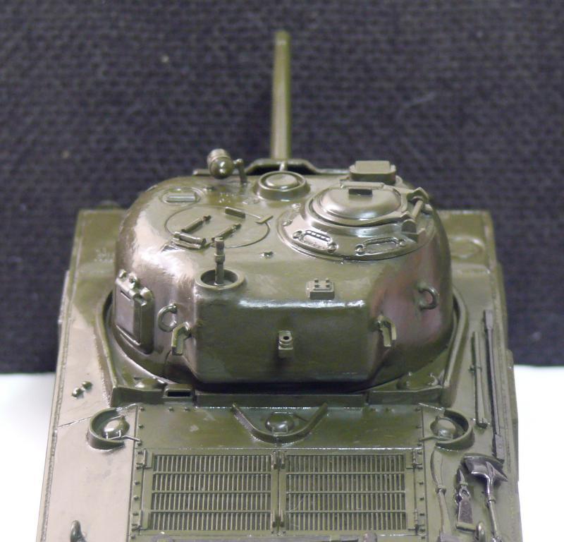 Sherman M4A3 d'e Tamiya au 1/35 + adaptation de Solution Box MIG Sherm100