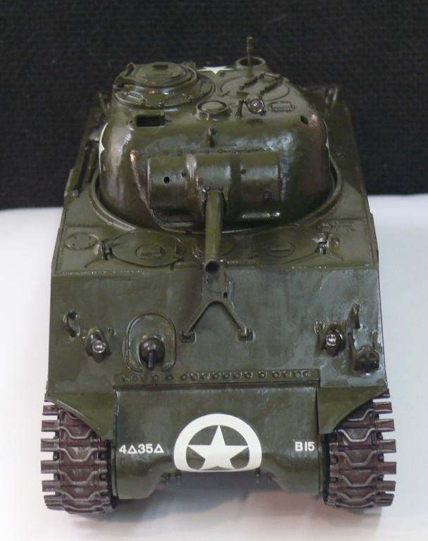Sherman M4A3 d'e Tamiya au 1/35 + adaptation de Solution Box MIG Sherm101
