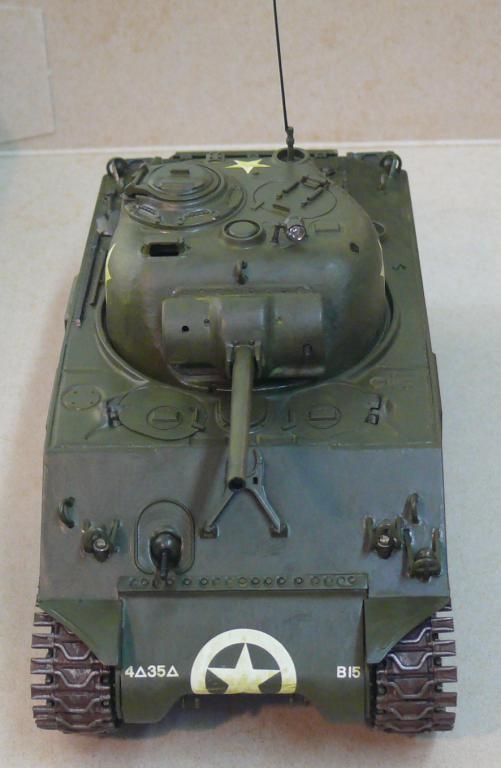Sherman M4A3 d'e Tamiya au 1/35 + adaptation de Solution Box MIG Sherm107