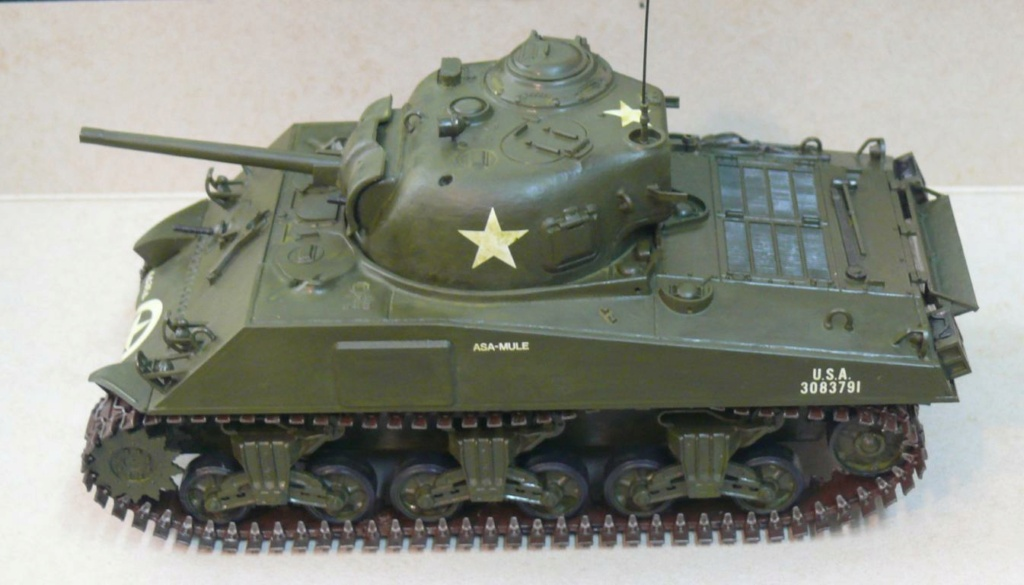 Sherman M4A3 d'e Tamiya au 1/35 + adaptation de Solution Box MIG Sherm108