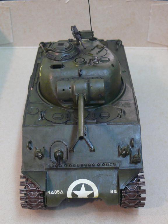Sherman M4A3 d'e Tamiya au 1/35 + adaptation de Solution Box MIG Sherm111