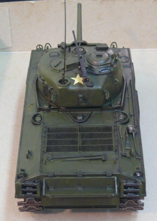 Sherman M4A3 d'e Tamiya au 1/35 + adaptation de Solution Box MIG Sherm113